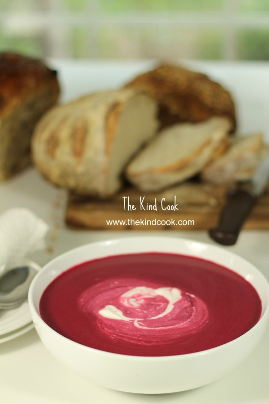 Roasted Beetroot and Cauliflower Soupwm